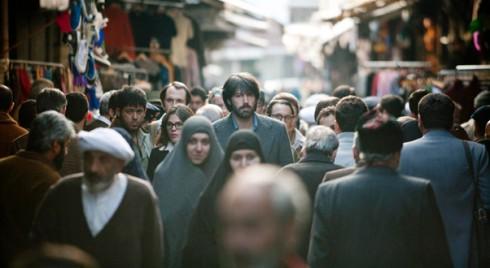 Filmtips 2) Argo baseras på den sanna berättelsen om hur sex amerikaner fritogs från Iran på 80-talet genom att låtsas vara ett filmteam från Hollywood. 4,5 pinglor av 5 möjliga om du frågar mig.
