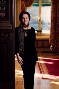 Elisabeth George har gett ut flera böcker om kommissarie Lynley. En ond liten handling är den 21 romanen i ordningen.